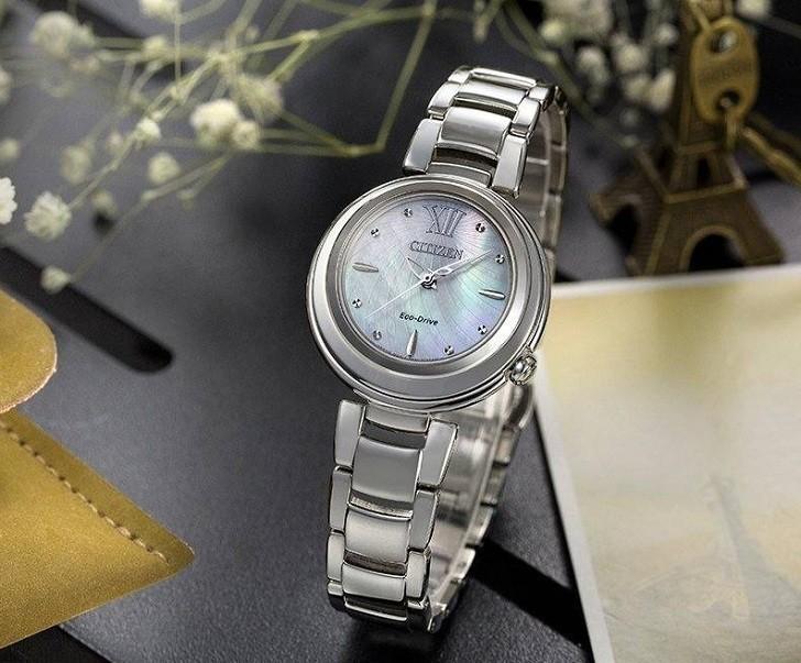 Đồng hồ Eco-Drive Citizen EM0331-52D năng lượng ánh sáng - Ảnh 3