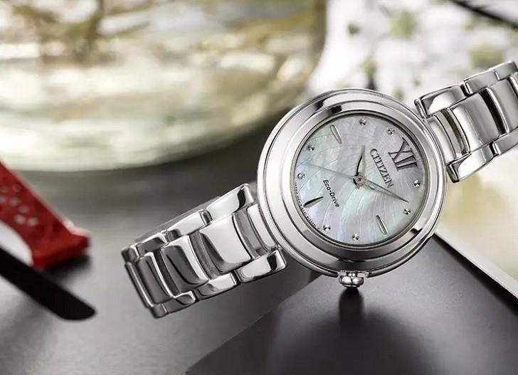Đồng hồ Eco-Drive Citizen EM0331-52D năng lượng ánh sáng - Ảnh 6