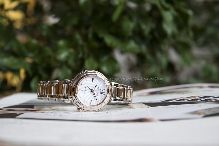 Đồng hồ nữ Citizen EM0335-51D nạp năng lượng bằng ánh sáng - Ảnh: 3
