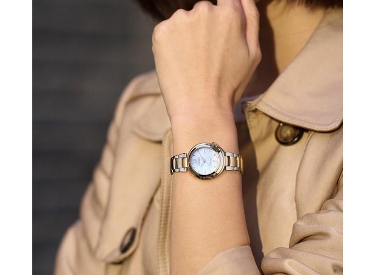 Đồng hồ nữ Citizen EM0335-51D nạp năng lượng bằng ánh sáng - Ảnh: 5
