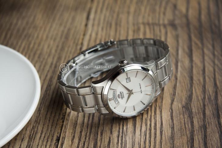 Đồng hồ Orient FEV0V001WH dây kim loại, lên cót tự động - Ảnh 5