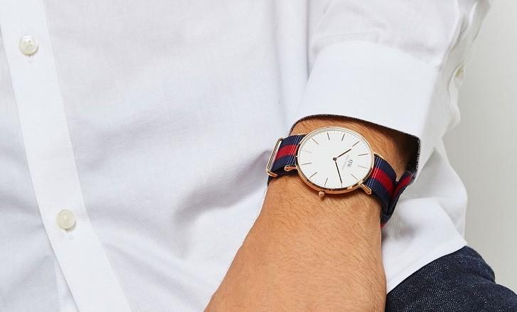 Đồng hồ Daniel Wellington DW00100001 dây vải trẻ trung - Ảnh 1