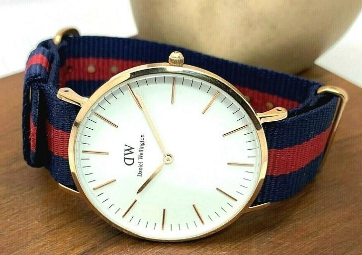 Đồng hồ Daniel Wellington DW00100001 dây vải trẻ trung - Ảnh 4