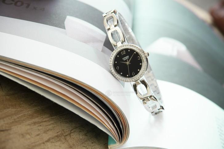 Đồng hồ nữ Citizen EJ6070-51E thiết kế đính đá sang trọng - Ảnh 1