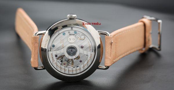 10 sự thật không ngờ về thế giới đồng hồ đeo tay đồng hồ Nomos