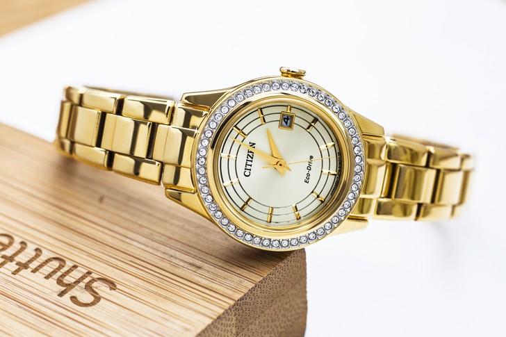 đồng hồ Citizen FE1122-88P: Những viên đá pha lê lấp lánh - Ảnh 6