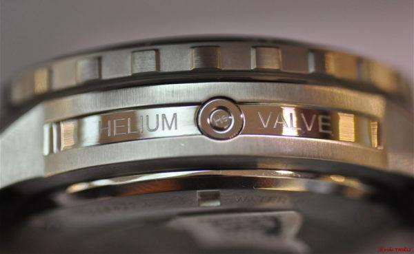 Có Những Thử Thách Nào Mà Đồng Hồ Chịu Nước Phải Trải Qua? Helium