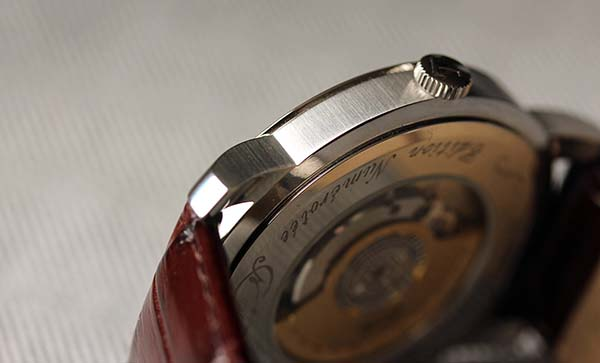 dong-ho-heritage-navigator-automatic-cosc-160-b