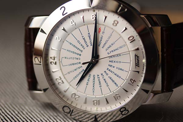 dong-ho-heritage-navigator-automatic-cosc-160-d