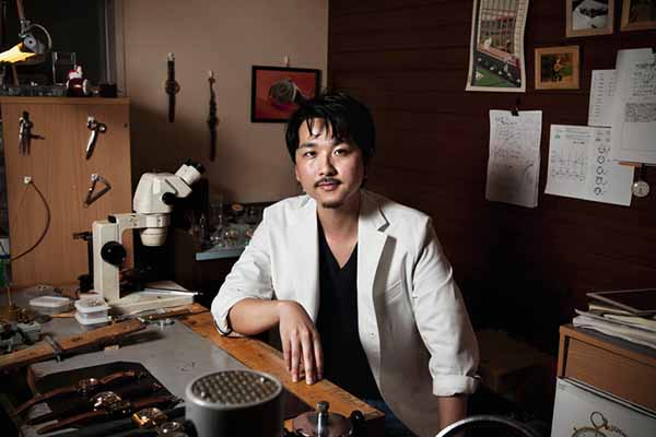 tho-dong-ho-masahiro-kikuno-1