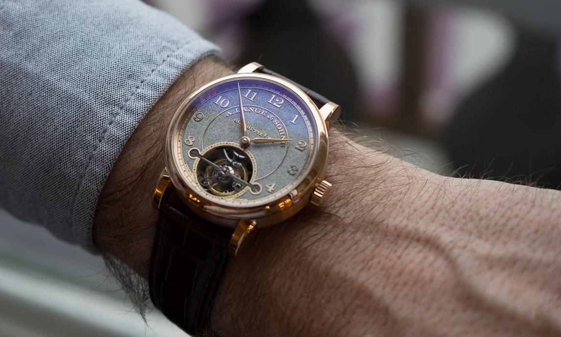 Kết quả hình ảnh cho đồng hồ chính hãng