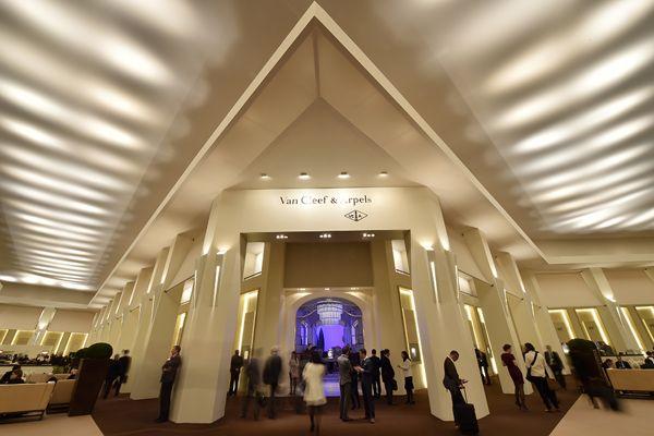 Khám Phá Triển Lãm Đồng Hồ SIHH, Nơi Hội Tụ Của Đồng Hồ Cao Cấp 2014