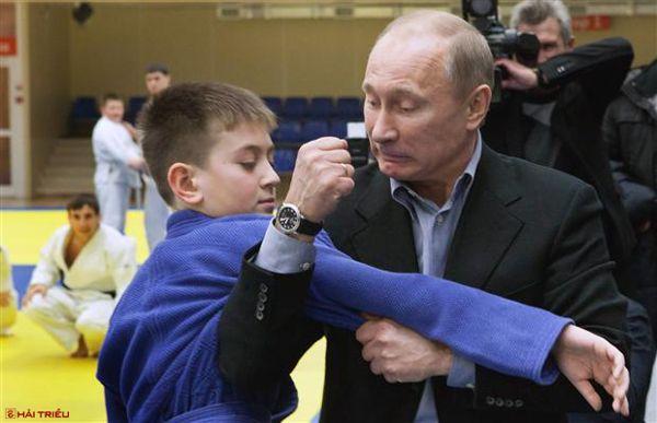 Sửng Sốt Bộ Sưu Tập Đồng Hồ Của Putin Chỉ Toàn Hiệu Xa Xỉ 1