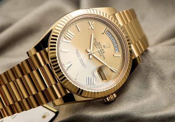 Bạn Có Biết Đồng Hồ Vàng Khối Thụy Sĩ Luôn là 18K? Tại Sao? Rolex