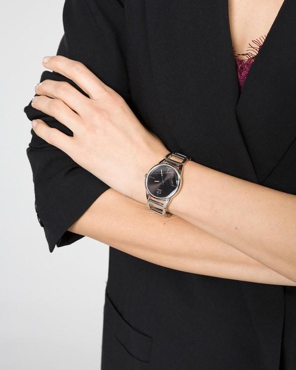 Đồng hồ nữ Calvin Klein K3G23121 thiết kế lắc tay ấn tượng - Ảnh 4