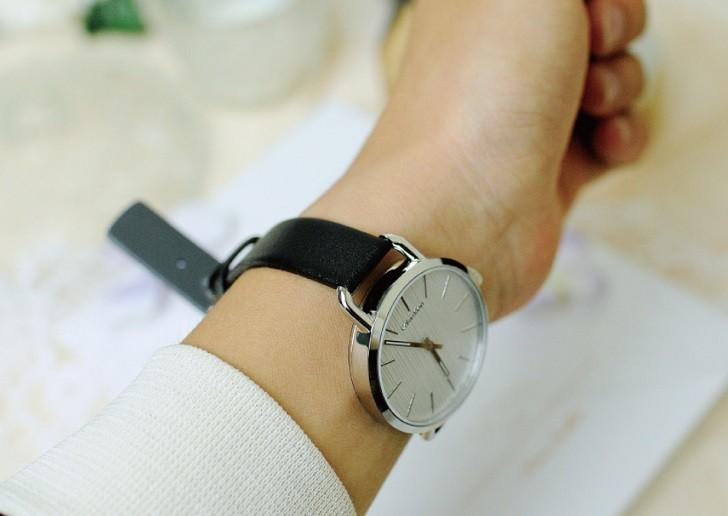 Đồng hồ Calvin Klein K7B231C6 sở hữu vẻ ngoài tinh tế thời trang - Ảnh 4