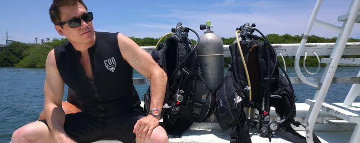 Hướng Dẫn Chi Tiết Cách Sử Dụng Bezel Đồng Hồ Lặn Doxa Sub Lặn Giảm Áp