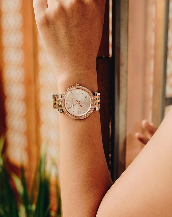 Đồng hồ Michael Kors MK3203 niềng đính pha lê sang trọng - Ảnh 3