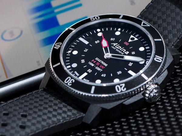 2017, Hàng Loạt Đồng Hồ Thông Minh Smartwatch Thương Hiệu Sừng Sỏ Ra Đời (Phần 2) Alpina