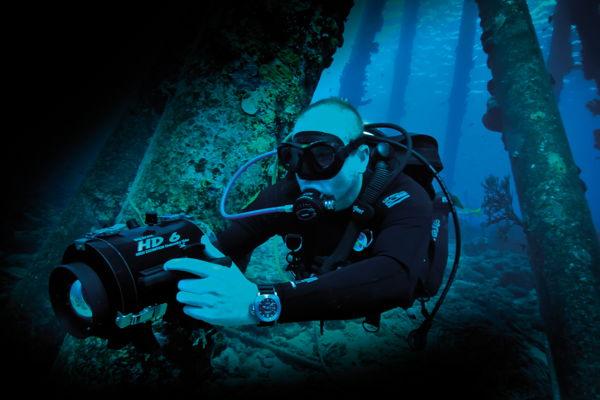Khám Phá: Màu Đồng Hồ Sẽ Trông Như Thế Nào Khi Ở Dưới Nước 2