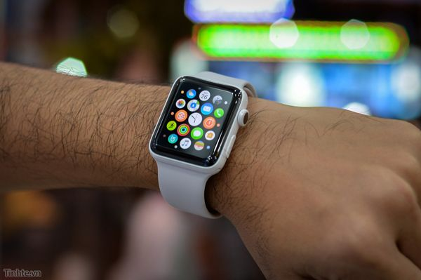 So Sánh Đồng Hồ Thông Minh Frederique Constant FC-282AS5B4, Apple Watch S2, Samsung Gear S3 APPLE