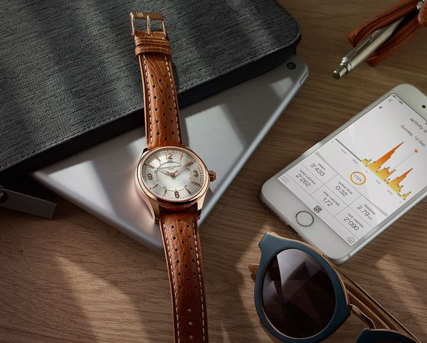 So Sánh Đồng Hồ Thông Minh Frederique Constant FC-282AS5B4, Apple Watch S2, Samsung Gear S3 3