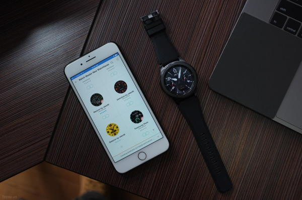 So Sánh Đồng Hồ Thông Minh Frederique Constant FC-282AS5B4, Apple Watch S2, Samsung Gear S3 S3