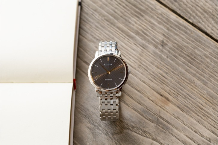 Đồng hồ Citizen AR1130-81H: Thiết kế trẻ trung, không lo hết pin - Ảnh: 6