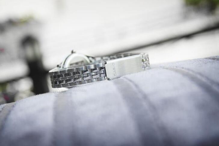Đồng hồ nữ Casio LTP-1215A-1ADF giá rẻ, thay pin miễn phí - Ảnh 4