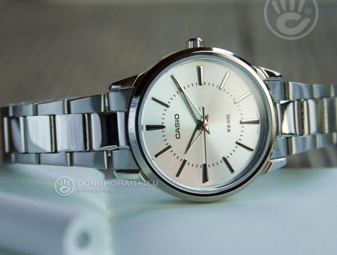 Đồng hồ Casio LTP-1303D-1AVDF giá rẻ, thay pin miễn phí - Ảnh 2