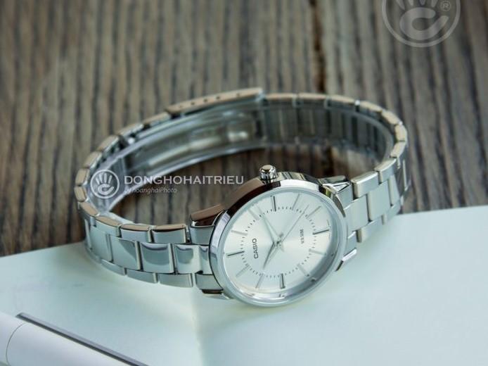 Đồng hồ Casio LTP-1303D-1AVDF giá rẻ, thay pin miễn phí - Ảnh 4