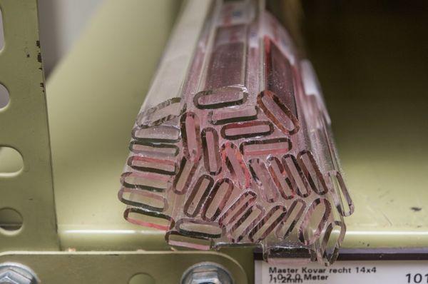 Ống Tritium Phát Sáng Trên Đồng Hồ Đeo Tay Dạ Quang Được MB-MICROTEC Sản Xuất Như Thế Nào Ống