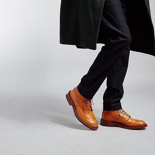 gợi ý kết hợp mẫu giày nam công sở đẹp 4