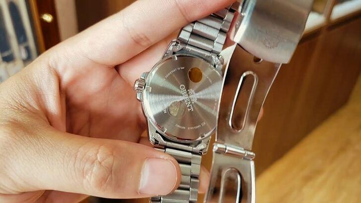 Đồng hồ nam Orient SUND6003W0 giá rẻ, thay pin miễn phí - Ảnh 7