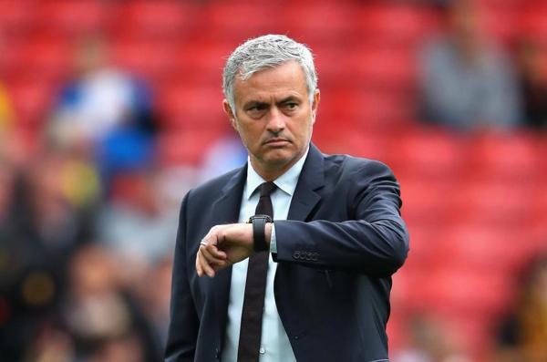 HLV Jose Mourinho Mất Oan Đồng Hồ Vì Học Trò Cũ Marko Arnautovic 2