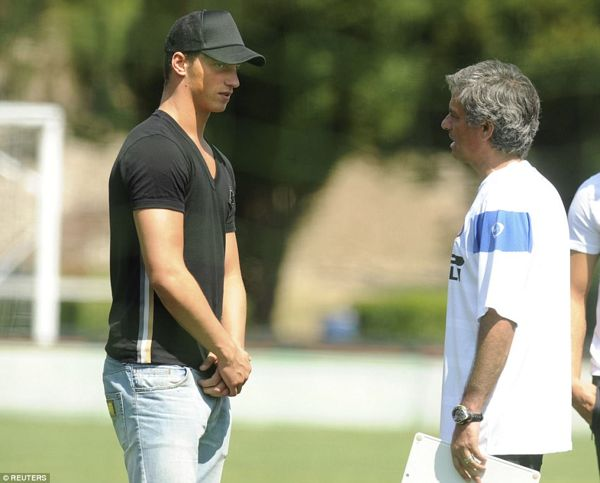 HLV Jose Mourinho Mất Oan Đồng Hồ Vì Học Trò Cũ Marko Arnautovic