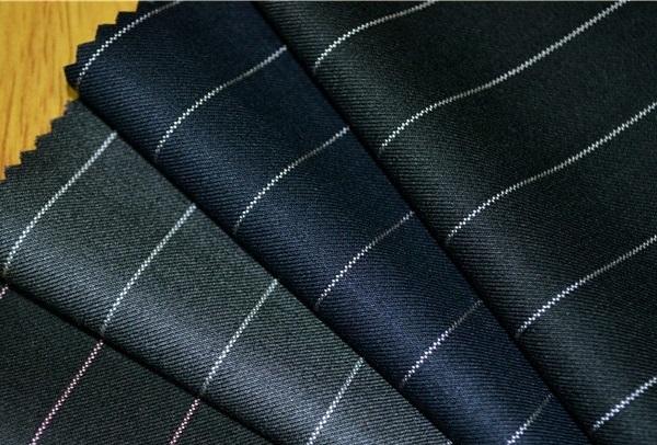 các loại vải dùng cho mãu váy vest công sở đẹp 1