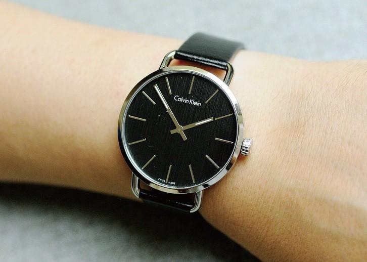 Calvin Klein K7B211C1 đồng hồ thời trang đạt chuẩn Swiss Made - Ảnh 2