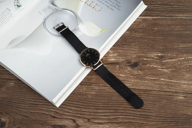 Đồng hồ Daniel Wellington DW00100148 rẻ, thay pin miễn phí - Ảnh 1