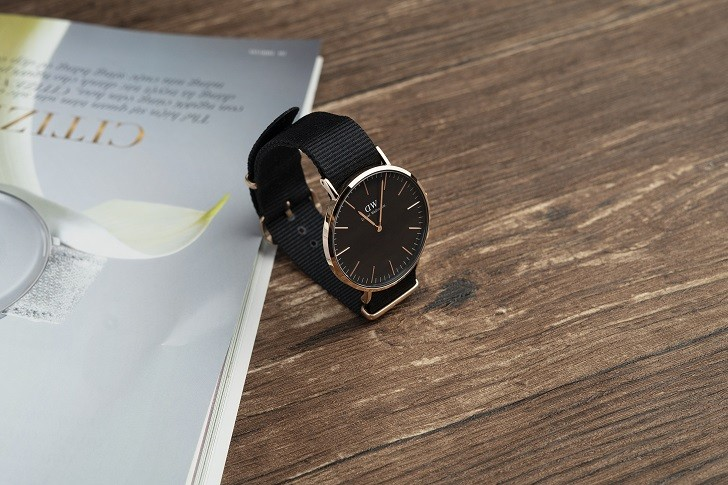 Đồng hồ Daniel Wellington DW00100148 rẻ, thay pin miễn phí - Ảnh 4