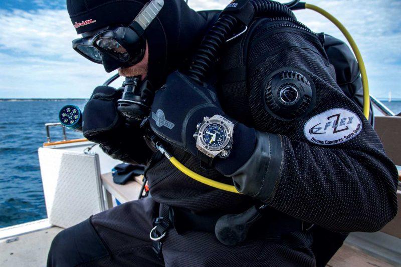 Lịch Sử Vòng Bezel Xoay Trên Đồng Hồ Lặn Và Công Dụng Ban Đầu Jason Heaton đeo Hublot Oceanographic 1000