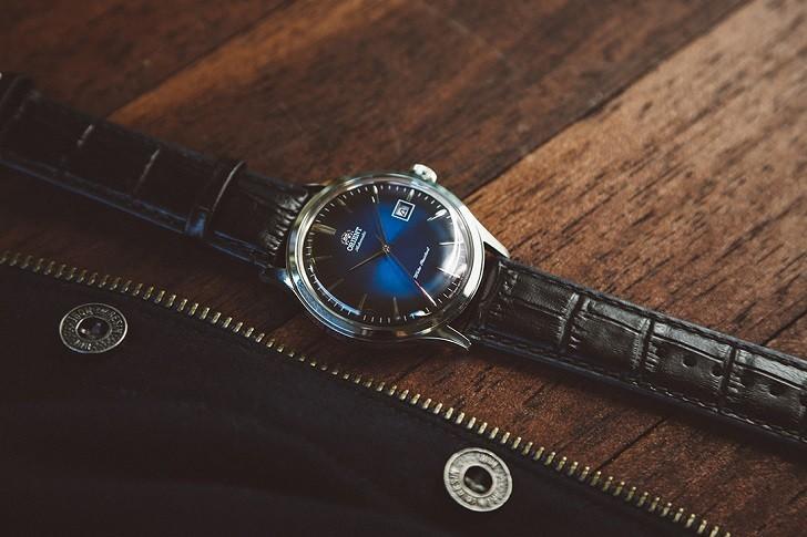 Đồng hồ Orient FAC08004D0 mặt xanh ấn tượng, máy cơ tự động - Ảnh 4