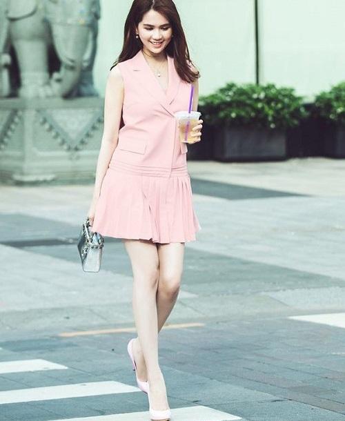 các mẫu đầm vest công sở đẹp nữ cách tân 9