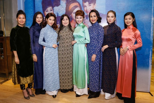 một số mẫu trang phục công sở áo dài 2017 mới nhất 5