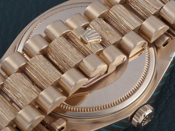 Từ Điển Thuật Ngữ Để Chơi Đồng Hồ Rolex Thụy Sỹ Chính Hãng Bark Finish