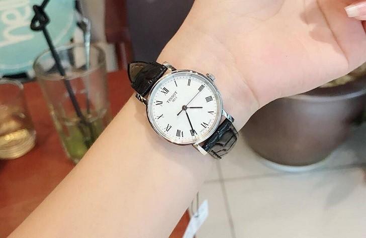 Đồng hồ Tissot T109.210.16.033.00 đạt chuẩn Swiss Made - Ảnh 7