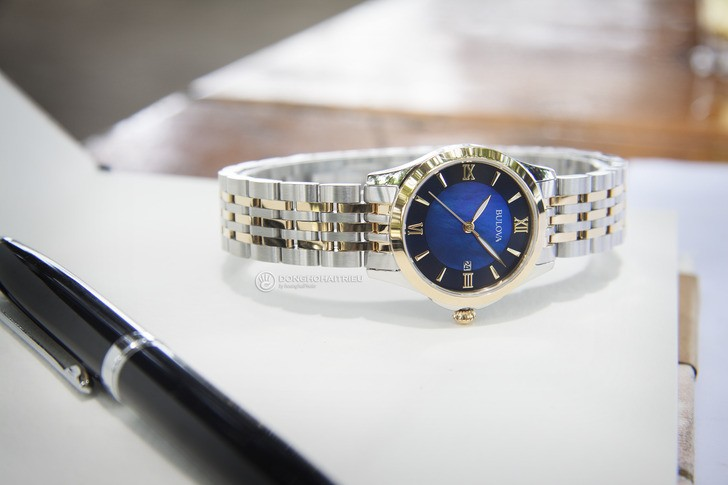 Đồng hồ Bulova 98M124 Thiết kế ấn tượng với mặt số xanh - Ảnh 2