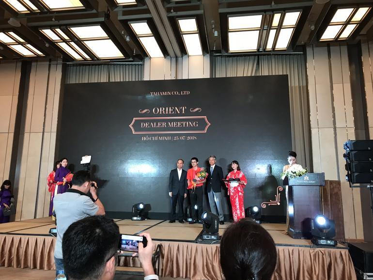 Đồng Hồ Hải Triều Nhận Giải Đại Lý Đồng Hồ Orient Xuất Sắc Nhất 2018 Nhận Giải