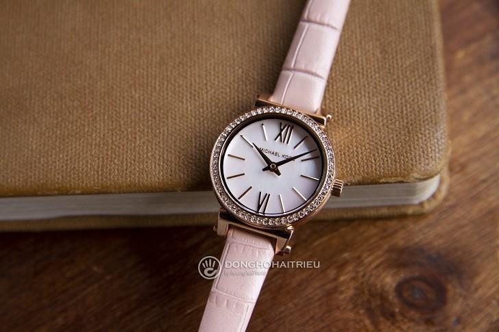 Đồng hồ Michael Kors MK2715: giá rẻ và thay pin miễn phí - Ảnh 1