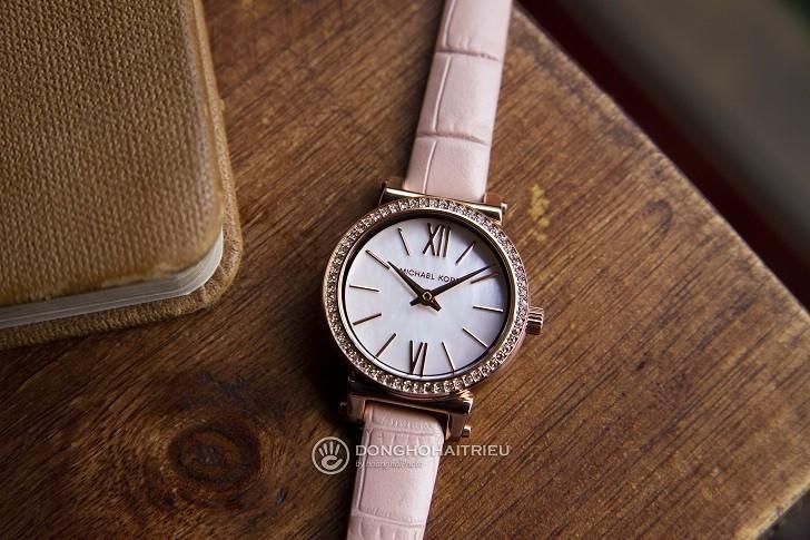 Đồng hồ Michael Kors MK2715: giá rẻ và thay pin miễn phí - Ảnh 5